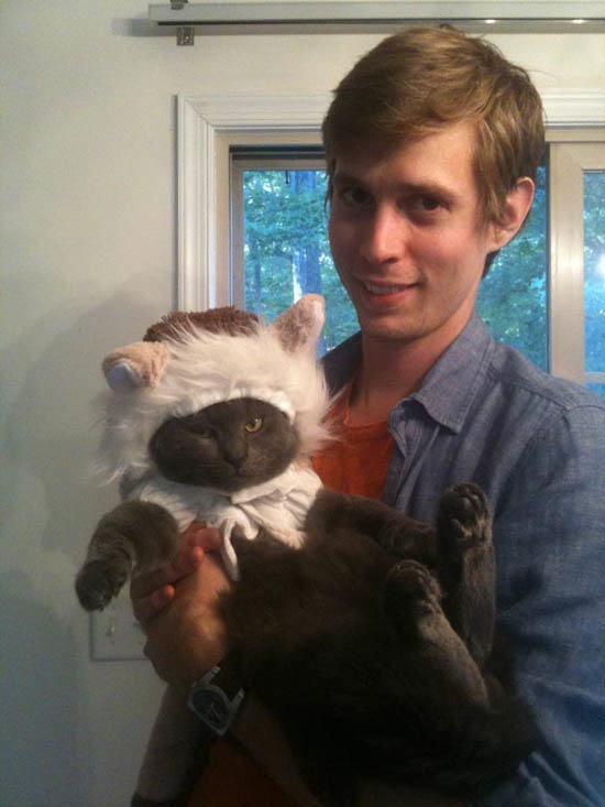 21-animais-que-absolutamente-odeiam-suas-fantasias-Blog-Animal (1)
