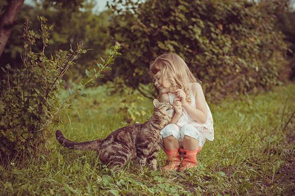 Fotos_Provam_Que_Seus_Filhos_Precisam_Um_Gato (13)