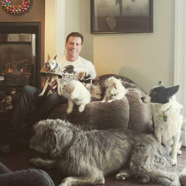Homem-transformou-casa-em-abrigo-de-animais (26)