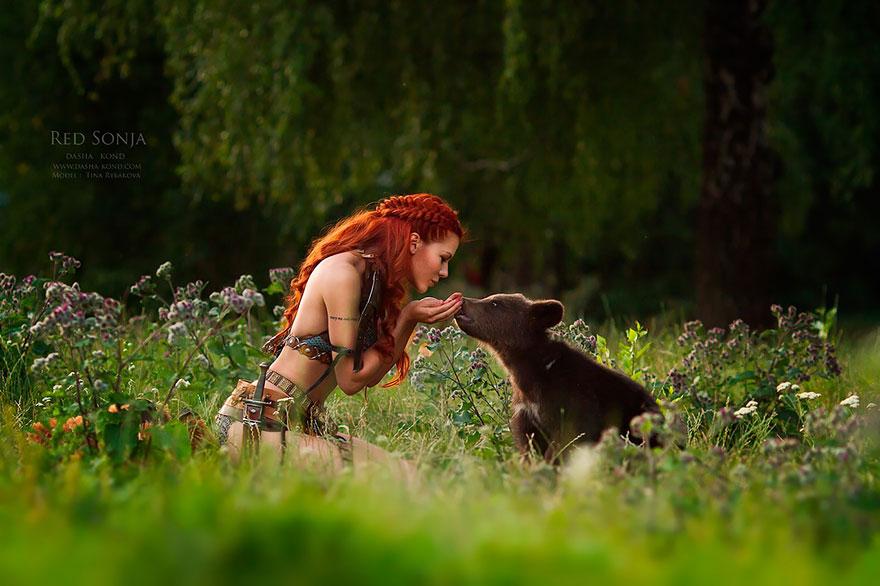 Fotógrafa Russa capta fotos de contos de fadas com animais de verdade (3)