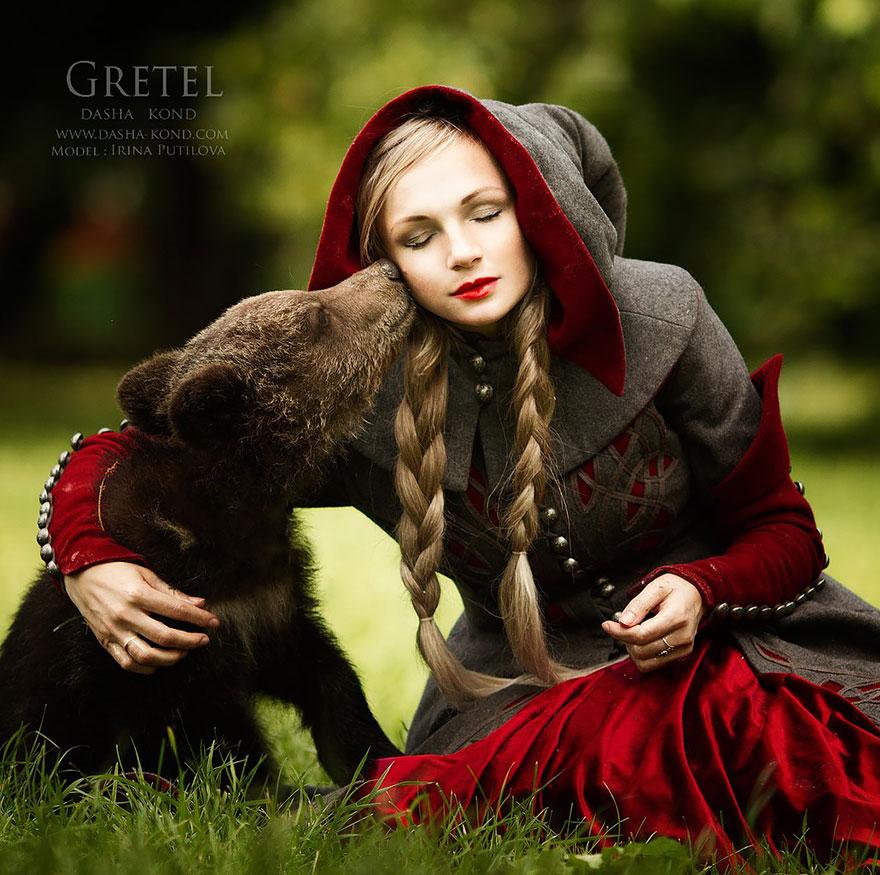Fotógrafa Russa capta fotos de contos de fadas com animais de verdade (4)