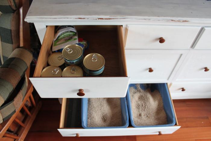 Uma-boa-ideia-para-esconder-a-caixa-de-areia-do-seu-gato (16)
