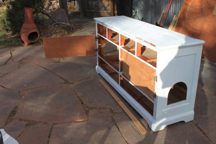 Uma-boa-ideia-para-esconder-a-caixa-de-areia-do-seu-gato (4)