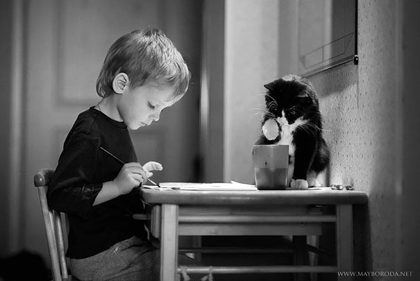 Fotos_Provam_Que_Seus_Filhos_Precisam_Um_Gato (1)
