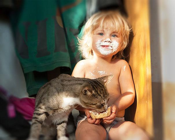 Fotos_Provam_Que_Seus_Filhos_Precisam_Um_Gato (9)