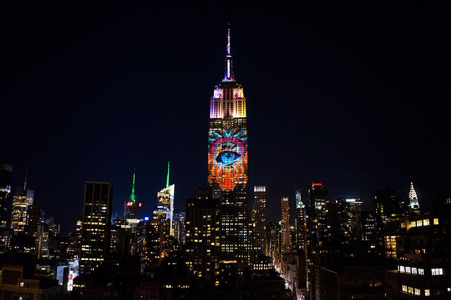 Leão Cecil é projetado no Empire State Building (2)