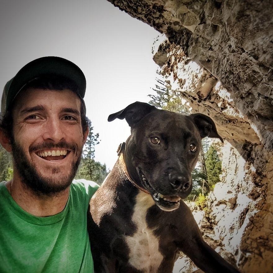 Rapaz vive em um caminhão e viaja com seu cachorro pelos Estados unidos (11)