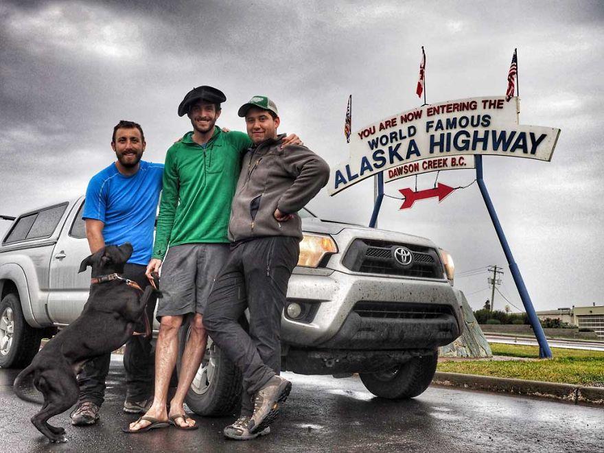 Rapaz vive em um caminhão e viaja com seu cachorro pelos Estados unidos (4)